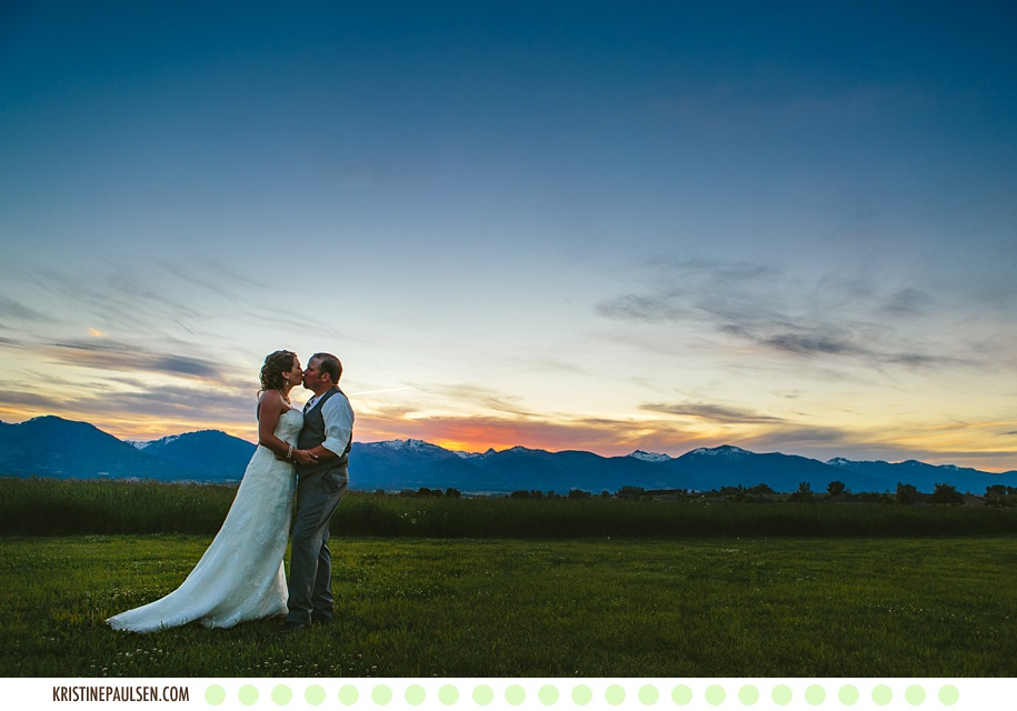 A Love as Bright and Beautiful as the Big Sky :: {Stephanie and Danny's Flying Horse Ranch Wedding}