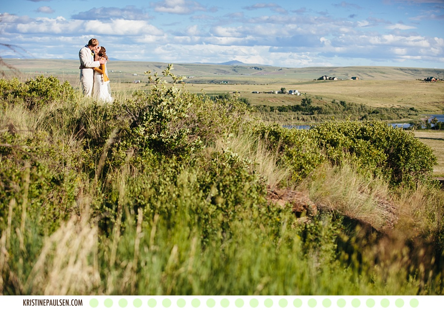 Kisses under the Cottonwoods :: {Autumn and Kevin's Great Falls, Montana Wedding}
