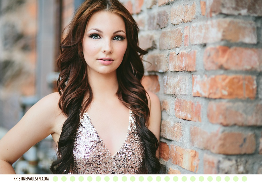 Stunning in Sequins :: {Lynnae's Missoula Portrait Session}