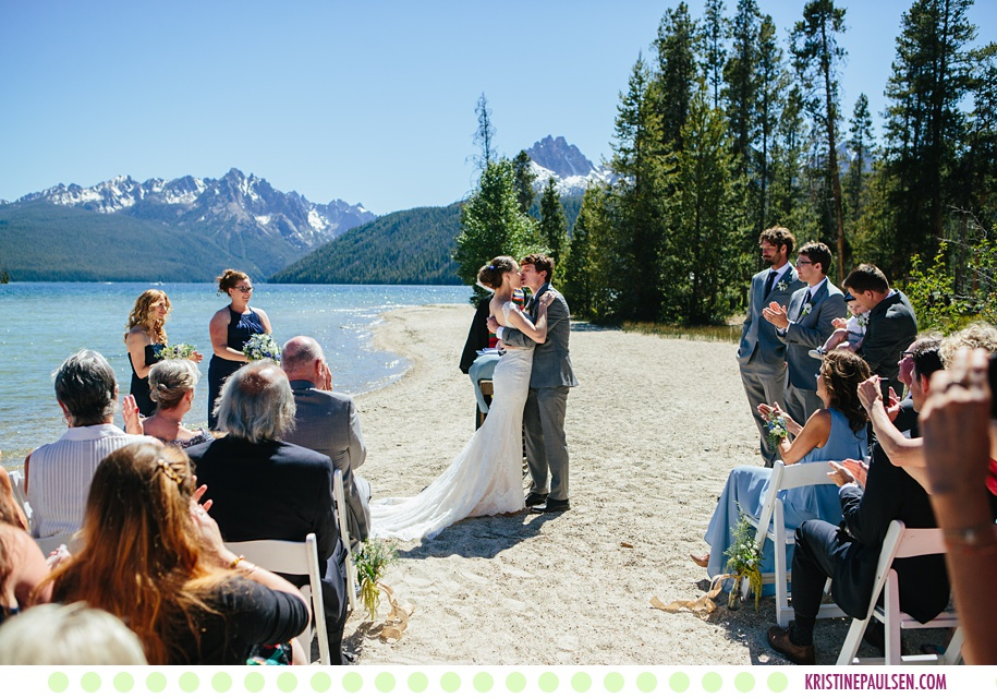 Hannah kevin redfish lake lodge wedding in stanley for Wedding dresses idaho falls