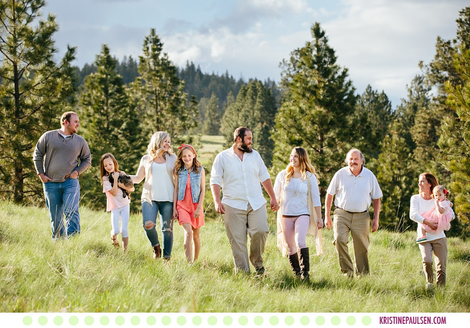 The Lubbers Family :: Missoula Family Portraits in the Spring - Photos by Kristine Paulsen Photography