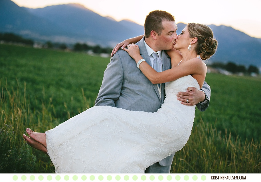 Bare Feet and Sunset Kisses :: {Sarah and Jordan's Flying Horse Ranch Wedding}